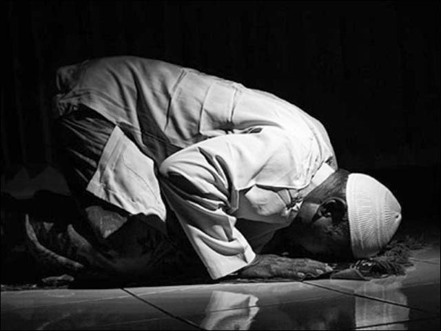 Khatib of a mosque in Lahore died in prostration