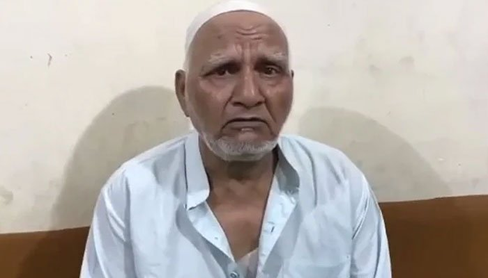 India: Elderly Muslim going for prayers attacked by extremists, beard cut after violence