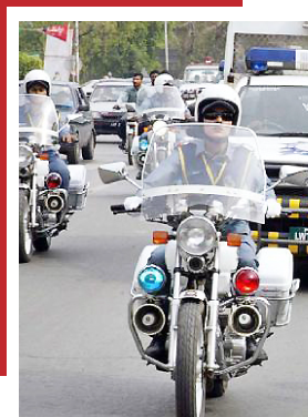 In Bahawalnagar, traffic officers and motorcyclists were caught red-handed